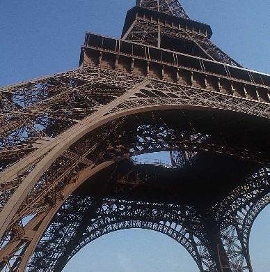 Torre Eiffel, uno de los más emblemáticos monumentos de París